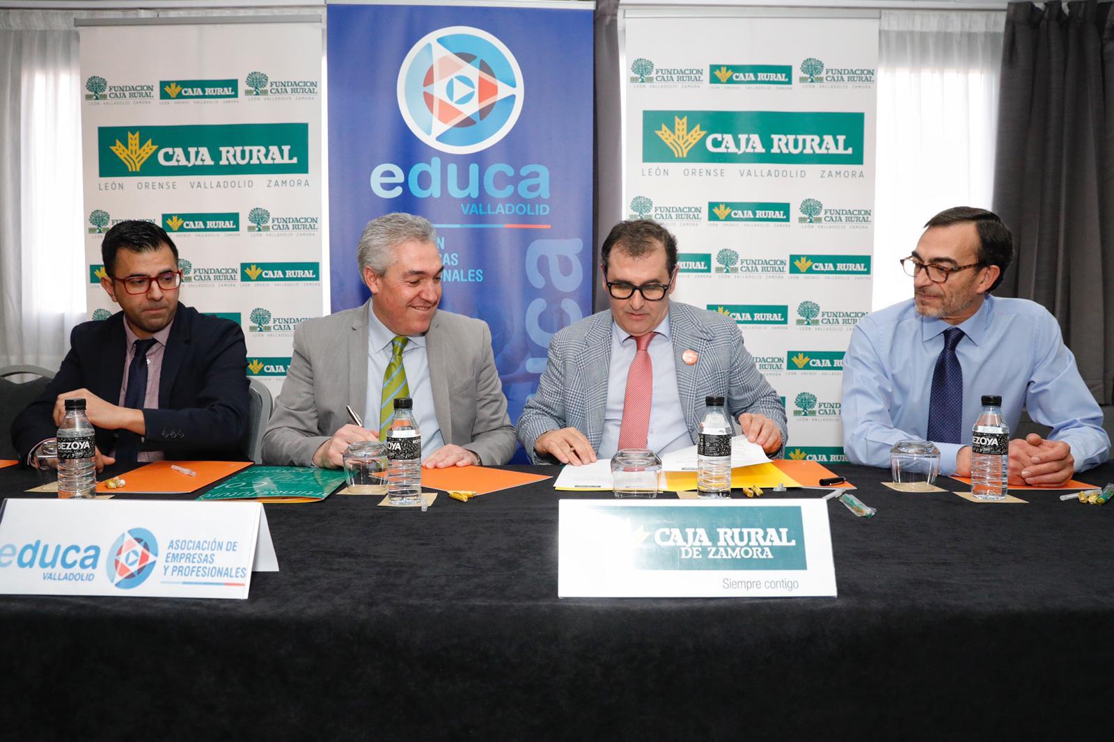 Firma de Caja Rural y EDUCA